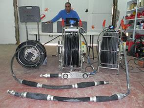 רובוט לחיתוך וסילוק בטון מביוב